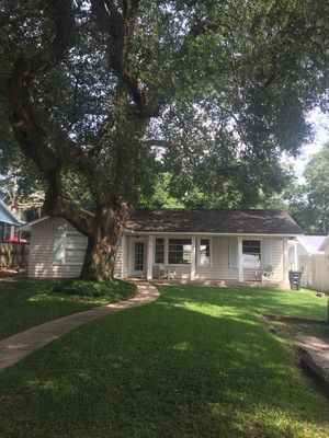 Photo for Newly renovated home! Heart of Fairhope! Walk to pier & downtown!  Pet friendly.
