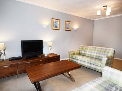 Photo for Stylish 2 bed Oxford apartment with parking
