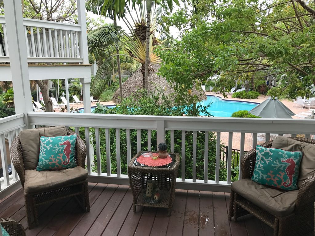 Casa caribe tropical key west townhome in g vrbo for Wheelchair accessible homes for sale in florida