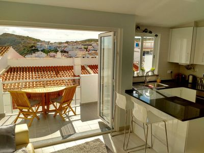 Photo for 3 bedroom 2 bathroom Townhouse in the heart of Burgau. 2 minutes walk to beach