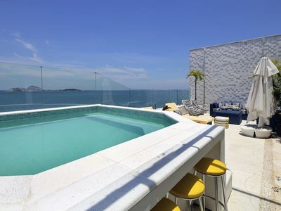 Photo for Rio061 - Beautiful penthouse with pool and sea view in ipanema