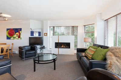 Clean and Spacious Living Room with Gas Fireplace