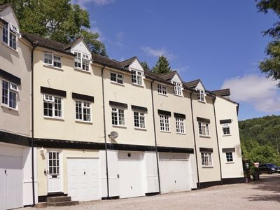 Photo for Cottage with Garage, Explore the Wye Valley with ease.