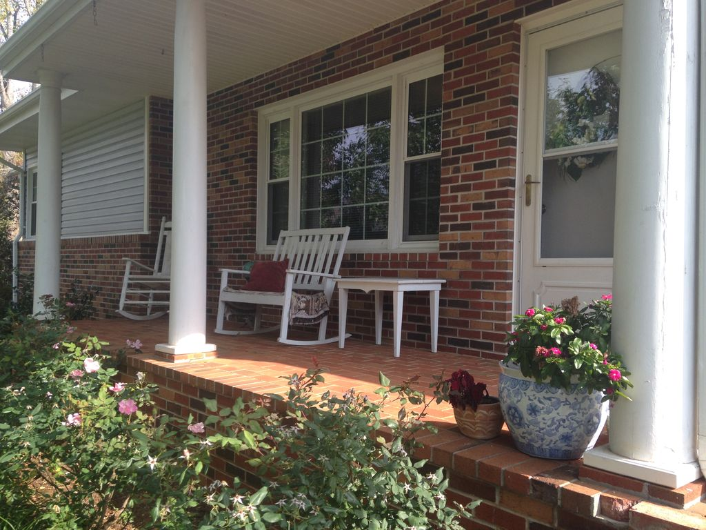 Charming Country Home Nestled In The Beautiful Mountains Of Upper East  Tennessee - Elizabethton