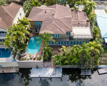 Photo for Ft. Lauderdale Waterfront Mansion 5/5 for 14 Heated Pool