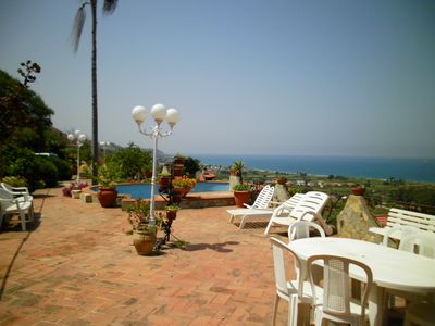 Photo for Villa with garden and pool in Timpazzi in Messina