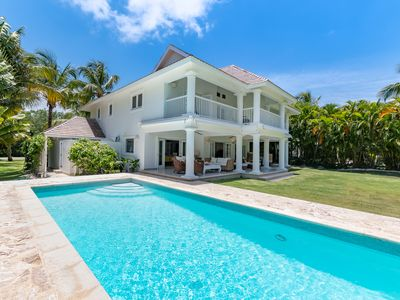Photo for Golf Villa - Easy Beach Access - Incl. 2 Golf Carts, Maid & Private Pool!
