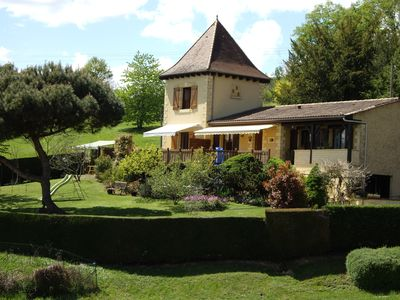 Photo for Independent Périgord tower, private swimming pool, enclosed courtyard, not overlooked.