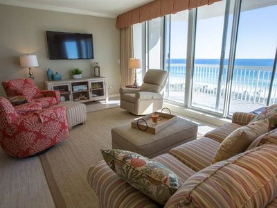Photo for Spacious Condo, Gulf-front balcony, On-site outdoor pool, On the beach