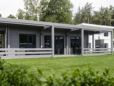 Photo for Bungalow in the holiday park Landal Mooi Zutendaal - Bordering Hoge Kempen National Park