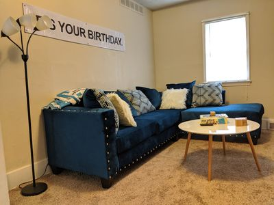 """Photo for [Pro Host] Classy ~ 1000 sqft ~ King ~ Fenced Yard ~ 50"""" TV ~ """"The Office"""" Theme"""