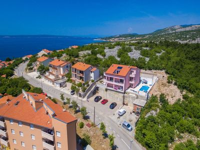 Photo for Spacious house apartment with swimming pool and sea view !