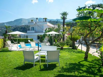 Photo for 4 bedroom Villa, sleeps 10 with Air Con and FREE WiFi