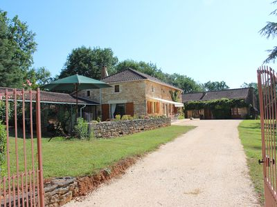 Photo for Renovated stone house with swimming pool, quiet in the countryside, air-conditioned, wifi