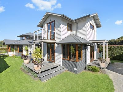 Photo for Light Filled Beach House - Great Location
