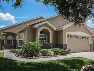 Photo for Villa for rent only 3 miles to Disney/Free pool heat/jacuzzi/wifi/game room/phone/cable