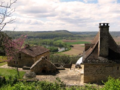 Photo for Périgord Noir, near Sarlat, house in a park, stunning view over river Dordogne