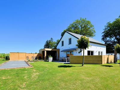 Photo for Beautiful, completely renovated luxury home with sauna, jacuzzi and private bathrooms