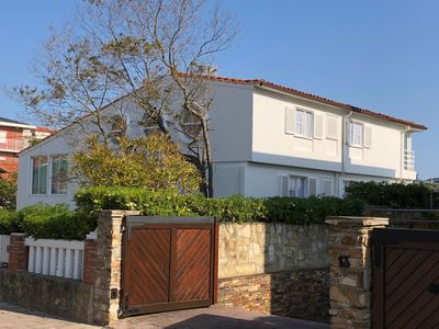 Photo for Detached villa with garden at the foot of La Concha beach