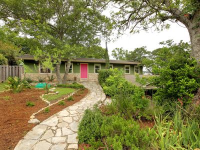 Photo for Cozy home in the hills of West Austin.  5 miles from downtown.  Sleeps 5