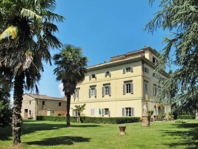 Photo for 4 bedroom Villa, sleeps 8 in Sergine di Sotto with WiFi