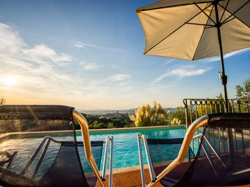 Portion of Luxury Villa with Pool close to Assisi - Attic of a Villa in Panoramic Position