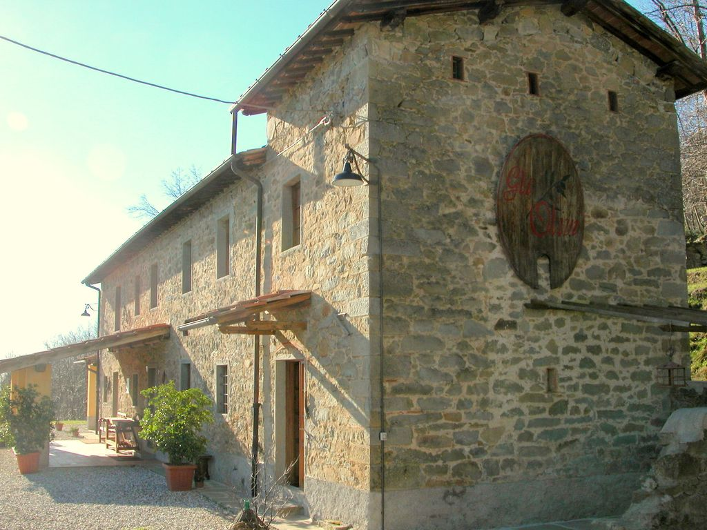 Authentic Tuscan country home situated between Pistoia and Lucca