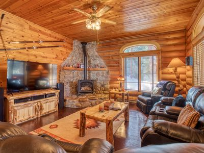 Photo for Cozy cabin w/ high-end furnishings & privacy - great for families!