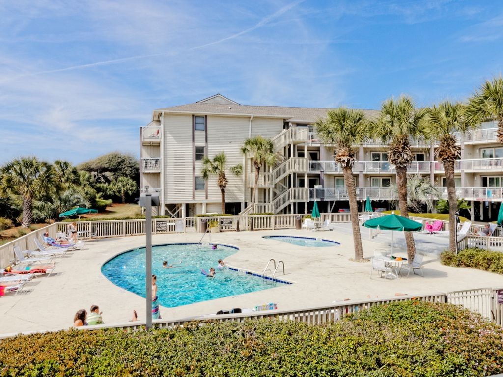 Located In Hilton Head S Downtown Across Fr Vrbo