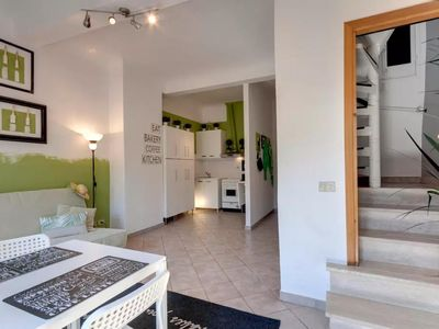 Photo for Number10 apartment in Oltrarno with WiFi & air conditioning.