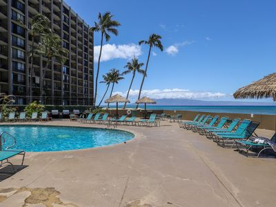 Photo for Oceanview condo w/ W/D, A/C, shared pool & grill - right on the ocean!