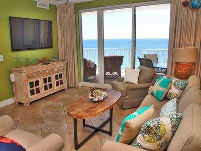 Photo for Highly Rated, 2 Bed/2 Bath Ocean Reef Condo, Fabulous Reviews, Beach Service