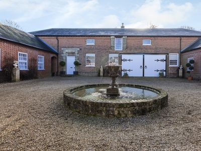 Photo for 6 bedroom Barn in Haveringland - KT171