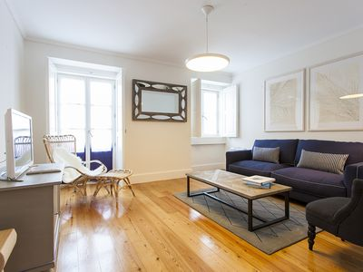 Photo for Family friendly flat on 2 levels w/3 bedrooms and shared patio, in Baixa