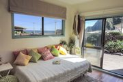 Sunny Comfortable Relaxing with Sea Views andamp; Walks