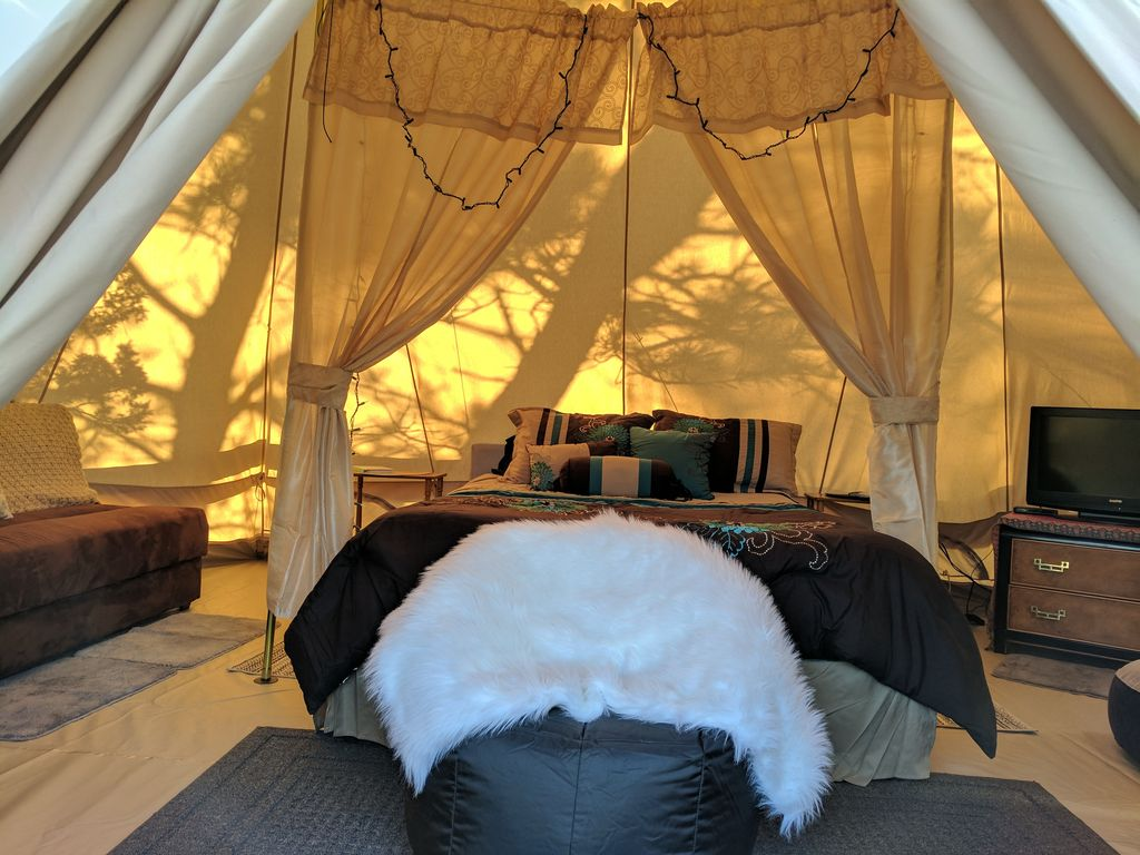 Property Image#2 Sibley Bell Tent 2 @The EvansCliff Beautiful Canyon High- & Sibley Bell Tent 2 @The EvansCliff Beautiful Canyon High rise ...