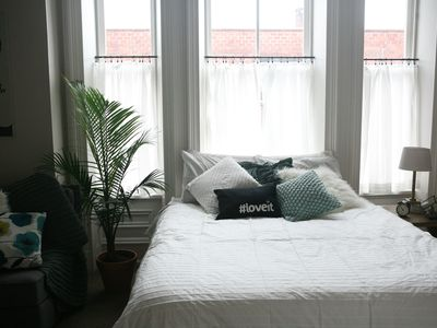 Photo for Bright And Airy Downtown Apartment