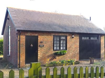 Photo for Pet friendly 1 bed cottage in Sellindge, Kent
