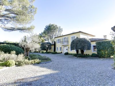 Photo for Cannes back country, 300 m2, 6x12 m. pool, 5000 m2 land 23 olive trees, golf