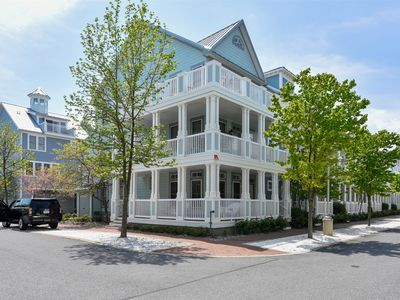 Photo for Gorgeous Townhome in Private Bayfront Resort - Wi-Fi, Pools, Clubhouse