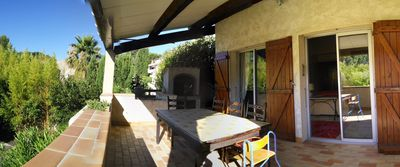Photo for Villa with terrace and garden near beaches and creeks of Cassis