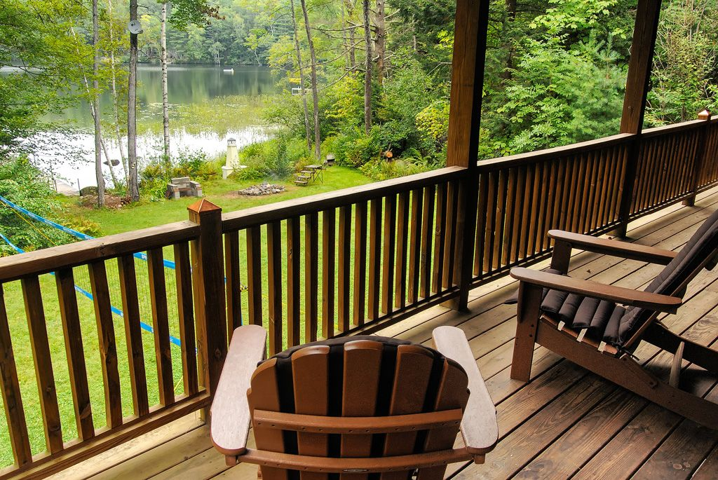 One august week left maine lakeside log cabin 3 bd 2ba for Cabin rentals in maine with hot tub