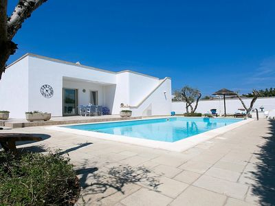 Photo for 2 bedroom Villa, sleeps 6 in Marina di Mancaversa with Pool, Air Con and WiFi