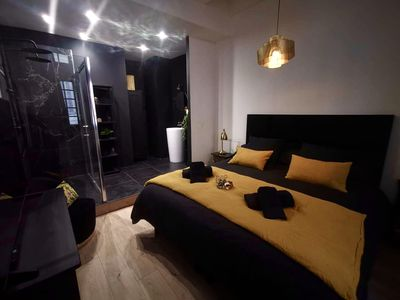 Photo for Apartment in Nîmes 2/4 people: Glamor Stay at La suite Rom'Antique