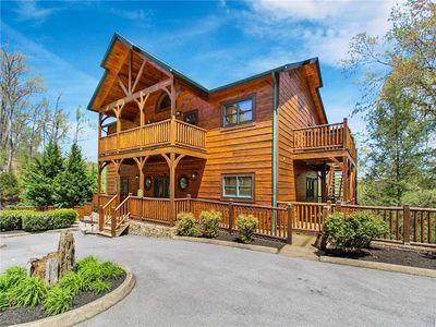 Photo for Big Sky Lodge II, 7 Bedrooms, Sleeps 28, Theater, Arcades, Hot Tub, Gazebo