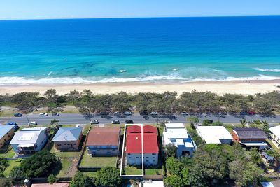 Pacific Escape  Holidays right on the beach at beautiful Buddina