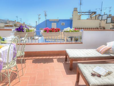 Photo for Casita Sitges, great location, 2 terraces, sea views hot shower BBQ 2 free bikes