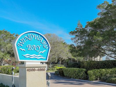 Photo for Beautifully renovated top floor penthouse with spectacular views at Windward Bay!