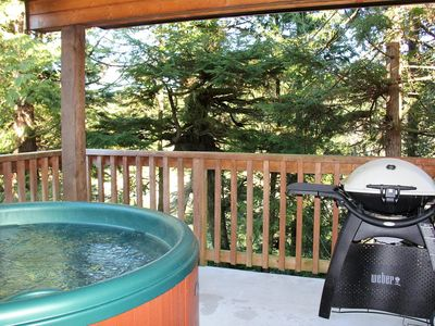Photo for Waterfront 2 bedroom Cottage with Hot Tub!