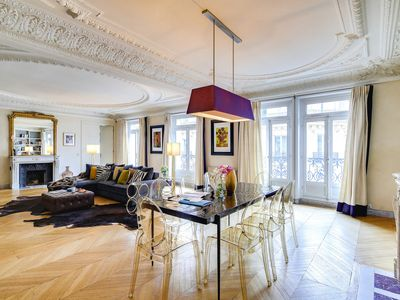 Photo for Elegant and spacious 4-bedroom Apartment Gem